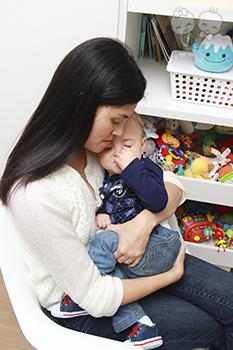 Mesmo com o tão sonhado filho nos braços, temos o direito de nos sentir cansadas. | Crédito: Arquivo pessoal