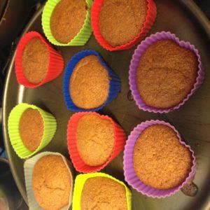 Bolinhos de cenoura do @comidinhasdadiana saindo do forno.   Crédito: Arquivo pessoal