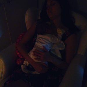 Pra mim, a privação de sono é uma das piores partes da maternidade. | Crédito: Arquivo pessoal.